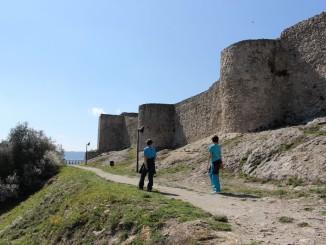 Castell de Claramunt vist des de la Muntanya dels nens  - Foto: YouMeKids