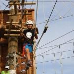 Jumpland Aventura: circuit de tirolines entre tótems a Cambrils - Foto: YouMeKids