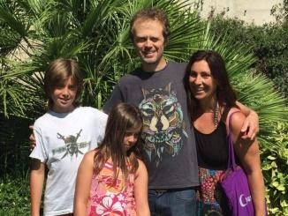Marta i Nick amb els seus fills Isca i Lua - foto: Green Spiral