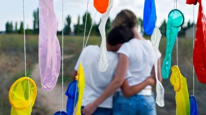 """""""Cal explicar als nens com posar-s'hi un condó"""", comenta Rosa Eva Rabanillo"""
