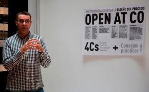 Lluis Sabadell explicant la metodologia de les 4Cs - foto: Karraskan