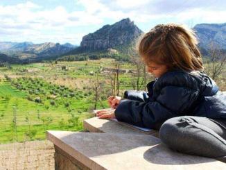 Mirador sobre la Muntanya de Santa Bàrbara, gran inspiració de Picasso - Foto: YouMeKids