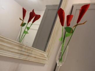 Roses de Sant Jordi fetes amb feltre - Foto: YouMeKids
