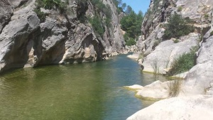 Piscines naturals al riu Canaletes - foto: YouMeKids