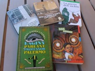 5 recomanacions de llibres juvenils per llegir a l'estiu