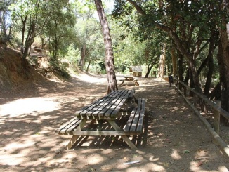 Àrea recreativa del Parque de la Llorita en Llavaneras - Foto: YouMeKids