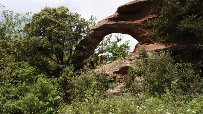 Roca Foradada de Prades - Foto: YouMeKids