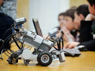 Una de les activitats extraescolars que més adeptes genera és la robòtica. - Foto: Robotix