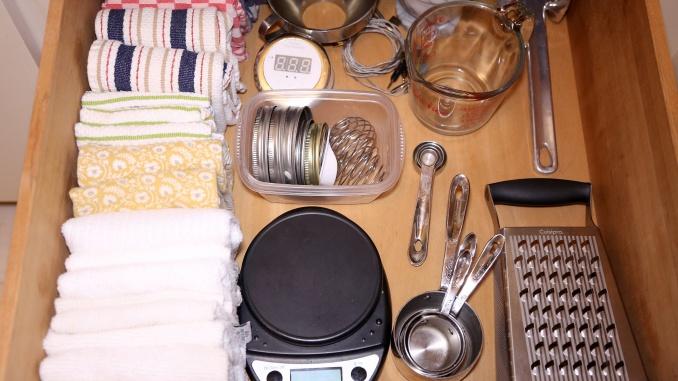 Cajones de cocina al estilo Mari Kondo - Foto: Danielle Dirks