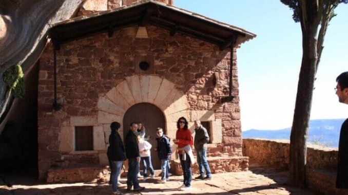 Ermita de Abellera a Prades - Foto: YouMeKids