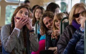Rodacontes organitzat per la llibreria La Petita en un autobús - Foto: Dani Alvarez
