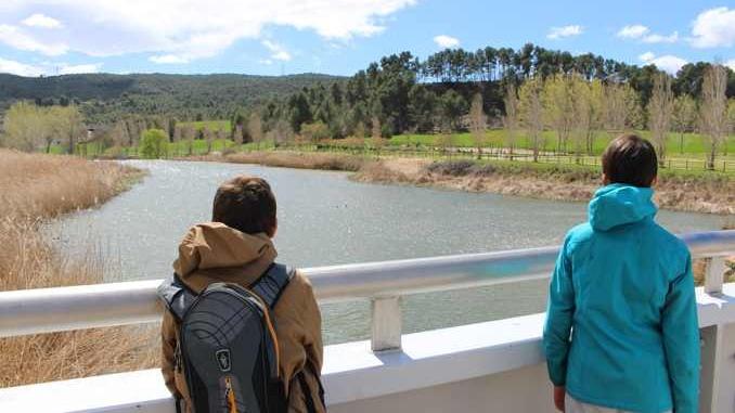 Vistes sobre el Parc Fluvial de Vilanova del camí des de la passarel·la - Foto: YouMeKids