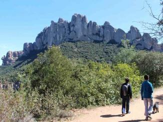 De camí a la Roca Foradada de Montserrat - Foto: YouMeKids
