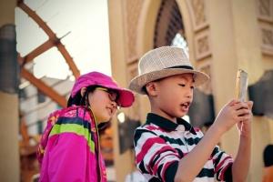 nens fent-se un selfie - Foto: Tim Gouw