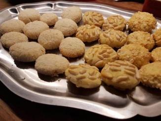 Panellets casolans de pinyons, coco i ametlla - Foto: YouMeKids