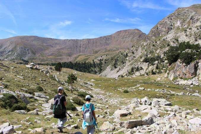 Paisatge d'alta muntanya de baixada a l'estany Gran de la Pera